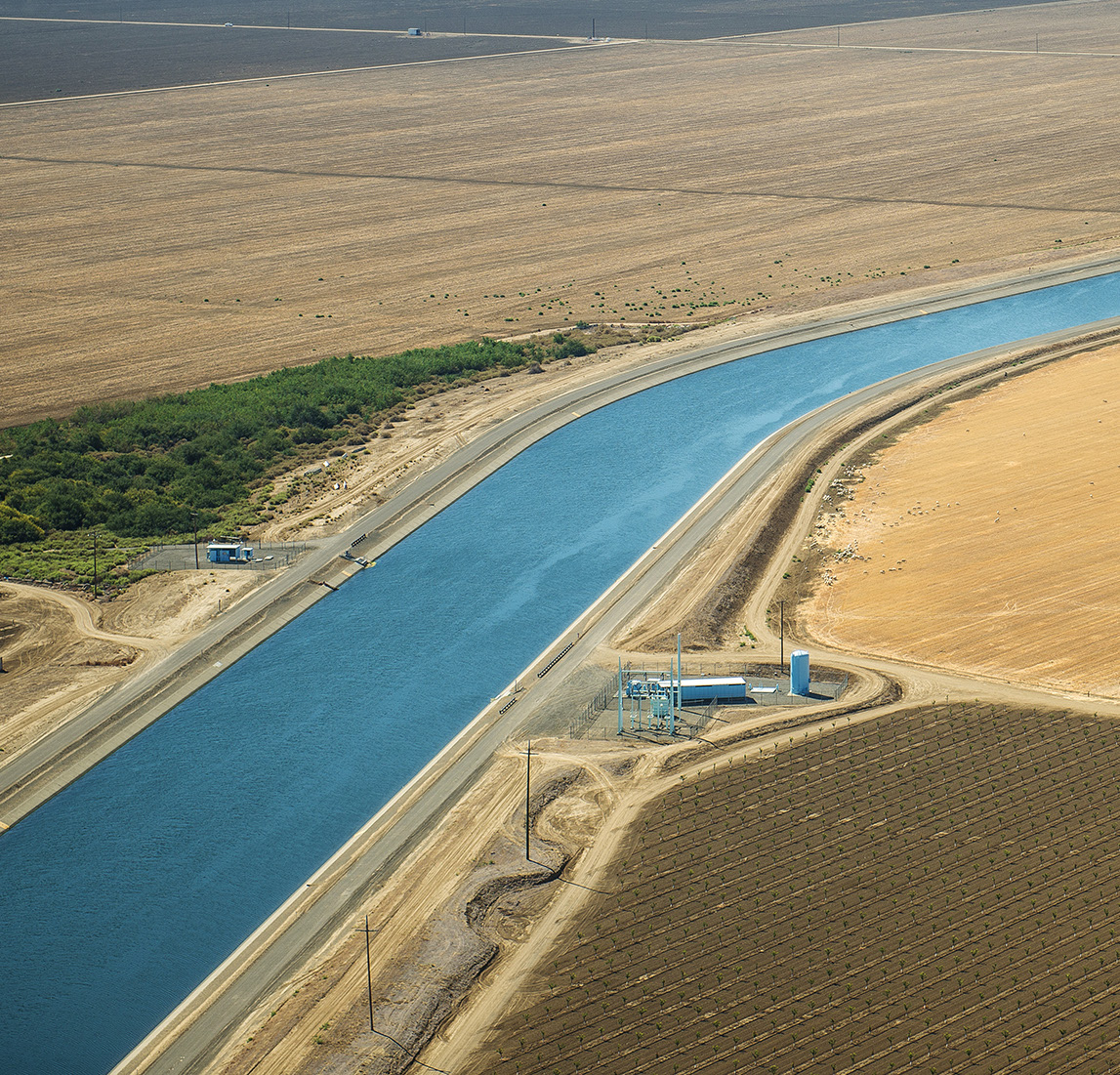 Arial shot of the Delta–Mendota Canal